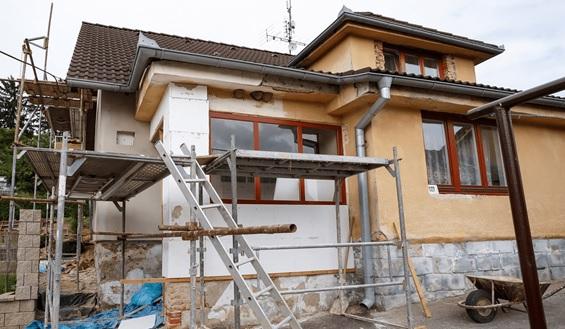 Nguyên nhân khiến nhiều gia đình chọn tu sửa nhà thay vì xây lại từ đầu là gì?
