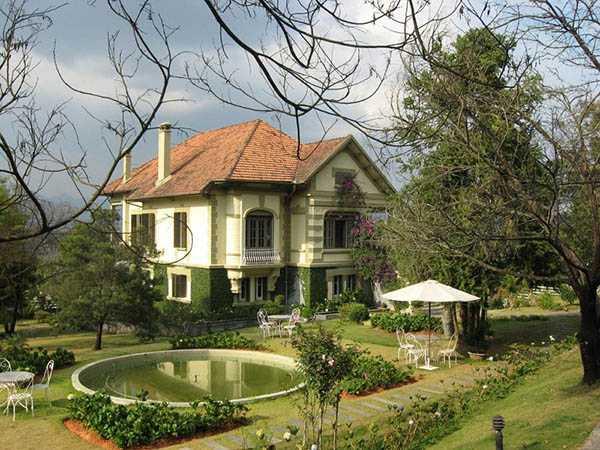 Biệt thự sân vườn kiểu Pháp