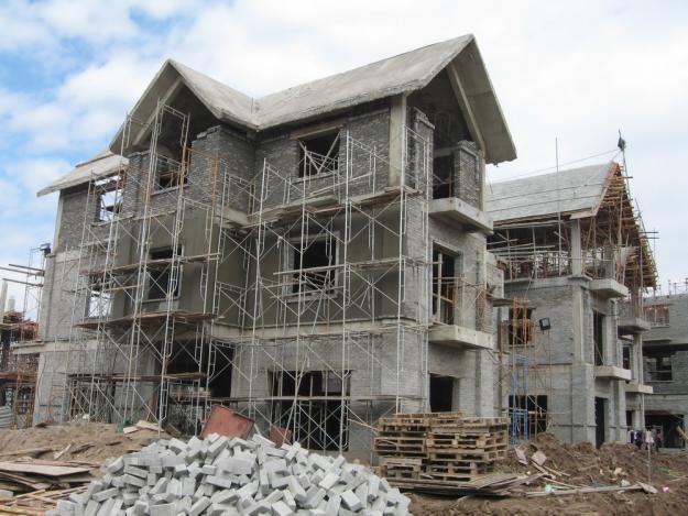 Chủ đầu tư cần theo sát công trình khi xây biệt thự 5 tỷ